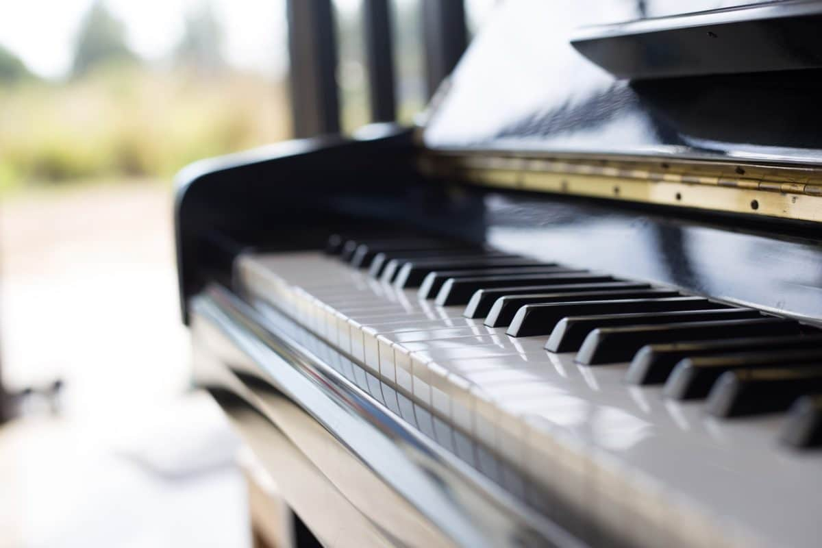 These Dueling Piano Companies Can Teach  Business Leaders How To Handle Copycats